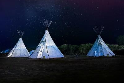 Namioty tipi – skąd ta moda?